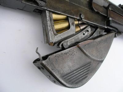 Loading a clip into the RSC 1917