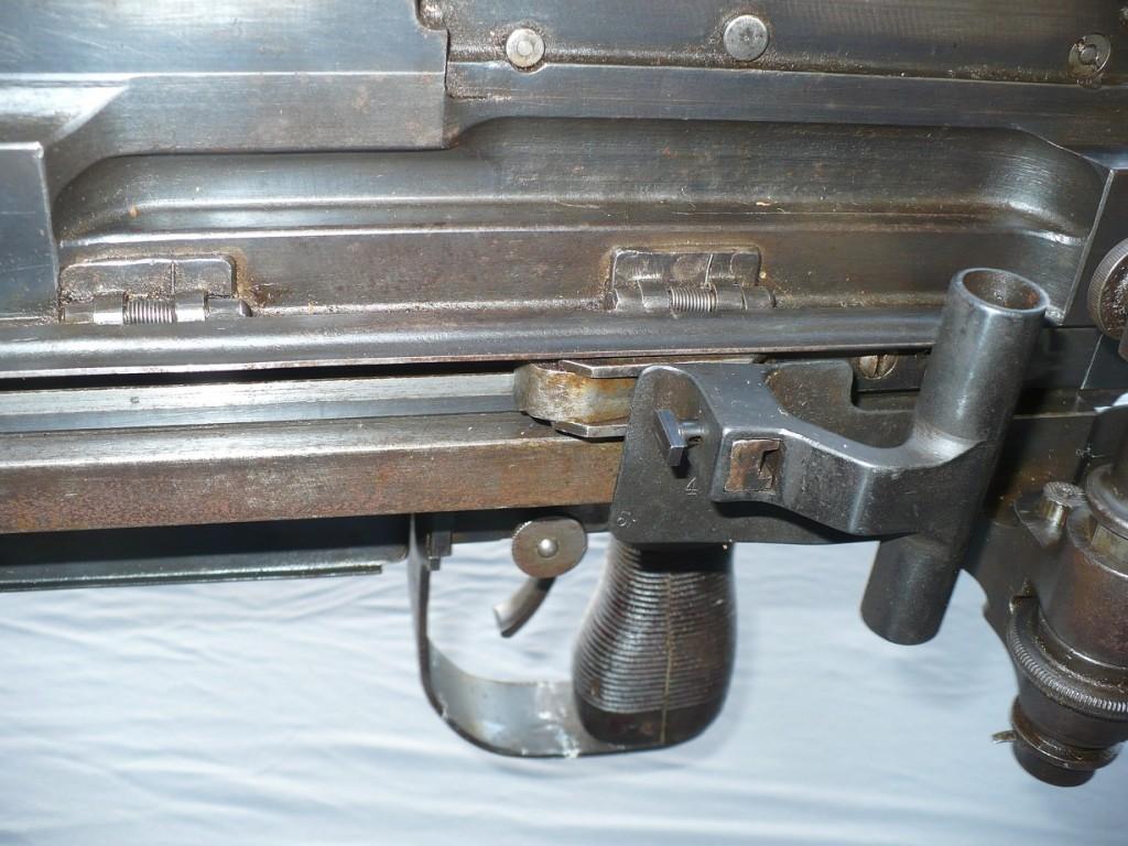 Type 97 charging handle