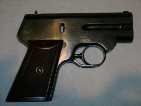 S4M pistol, right side