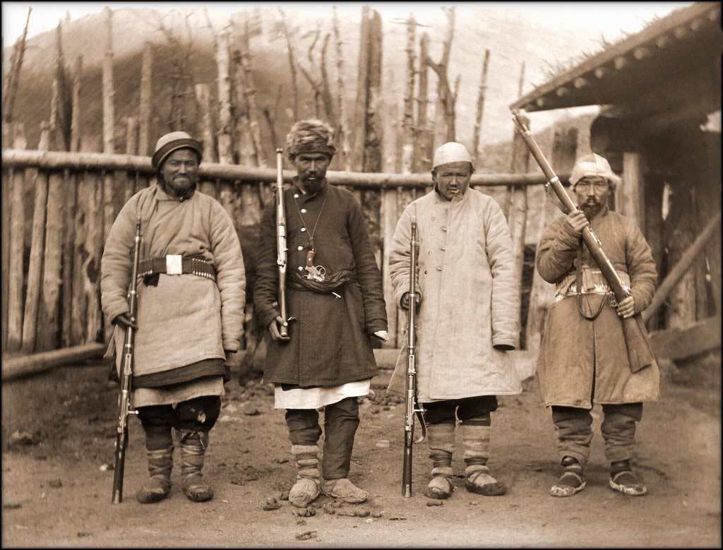 Chinese bandits in Xinjiang, 1915, armed with early Mauser rifles