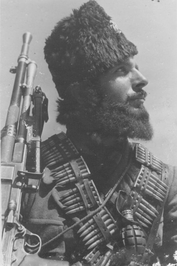 Momčilo Đujić, Chetnik commander during WWII - armed with a Yugoslav-contract ZB-30J light machine gun.