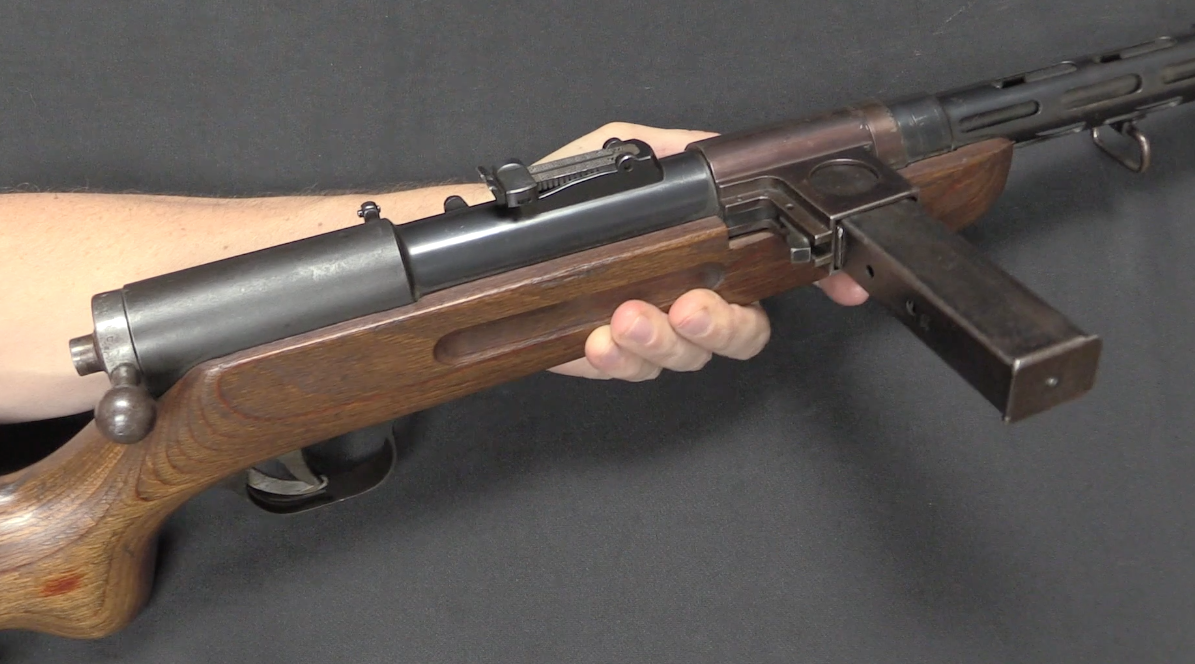 Bergmann's MP35 Submachine Gun It Feeds From the Wrong Side – Forgotten Weapons